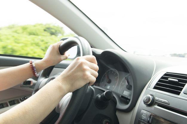 夜勤明けの車の運転には注意!