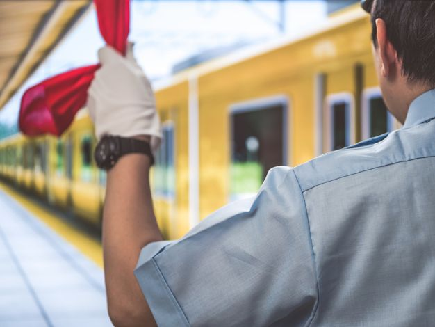 駅員の仕事内容7個の業務と、向いている人の特徴【ジョブール】