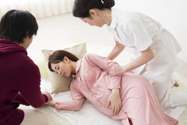 看護師辞めたあと経験を活かして助産師に転職した女性