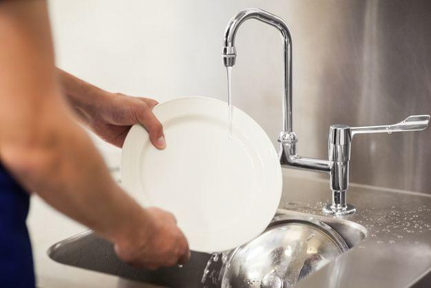 洗い場求人の募集内容をご紹介!きつい?仕事内容や向いてる人の特徴もチェックしよう!【ジョブール】