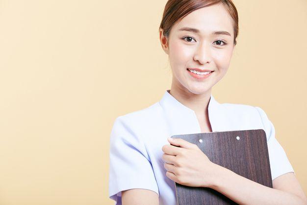 准看護師の年収の相場感や給料を上げるための転職術についての写真