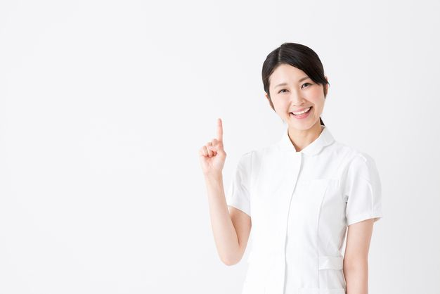 おすすめ派遣会社を紹介する看護師