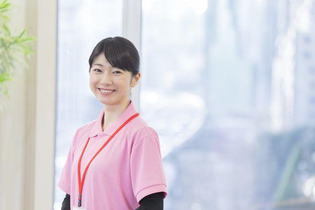 介護派遣会社で働く女性